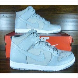 Nike Dunk CMFT PRM Premium Wolf Grey/White